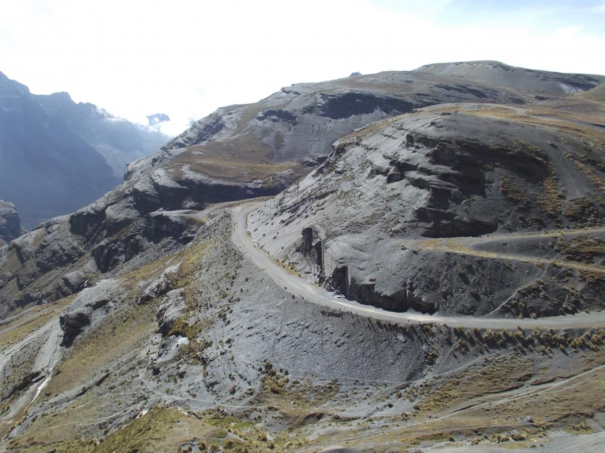 Zdjęcia: okolice La Paz, La Paz, Zdążamy do drogi śmierci, BOLIWIA