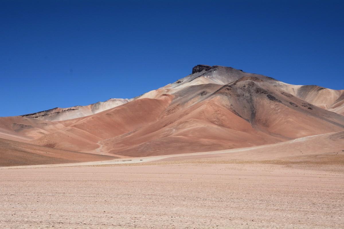 Zdjęcia: tuż, tuż po przekroczeniu granicy z Chile, Altiplano-Potosi, Kolorowe góry :) , BOLIWIA