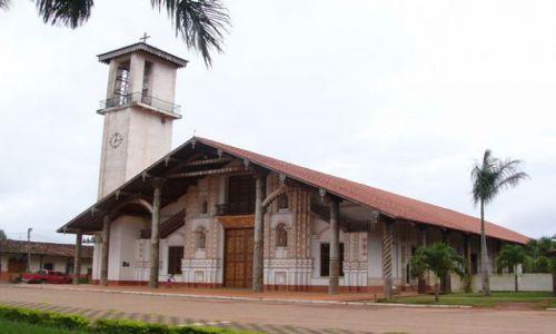 BOLIWIA / San Ignacio de Velasco / Skraj osady / Kościół misyjny