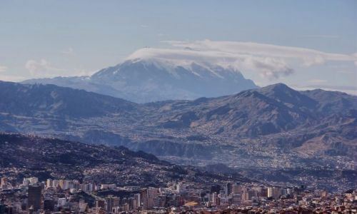 Zdjęcie BOLIWIA / La Paz / La Paz / Życie pod wulkanem.