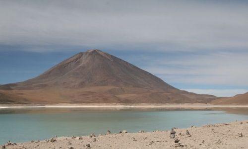 Zdjęcie BOLIWIA / Altiplano / Laguna Verde / Wulkan Licancabur