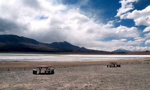 Zdjęcie BOLIWIA / - / Altiplano / posiłek pod boliwijskim niebem