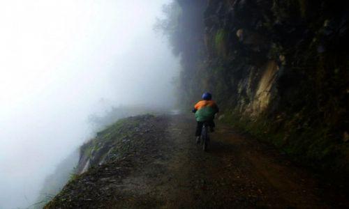 Zdjecie BOLIWIA / La Paz / La Paz / Death road...