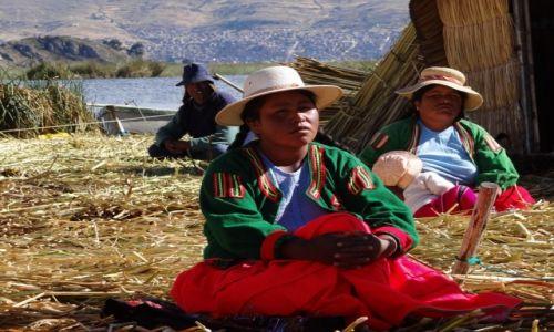 Zdjęcie BOLIWIA / Wysy Uros / Wyspy Uros / Indianie z plemienia Uru