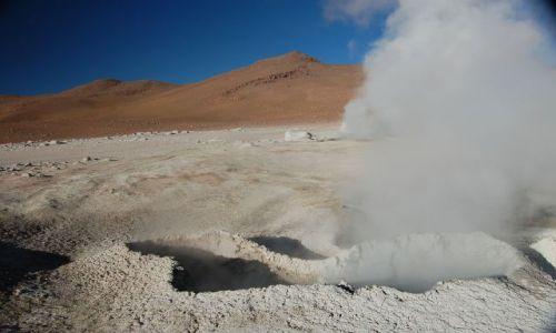 Zdjecie BOLIWIA / Południowa Boliwia przy granicy z Chile / Okolice Uyuni / Gejzer