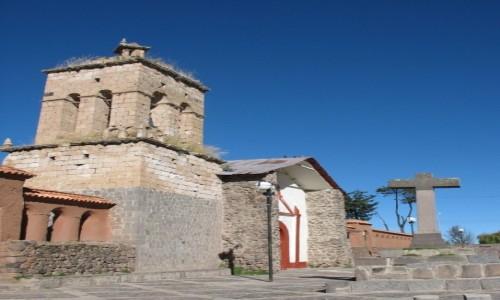 Zdjecie BOLIWIA / - / okolice Titicaca /  Ko�ci� z peni
