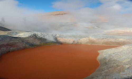Zdjęcie BOLIWIA / brak / Okolice Uyuni przy granicy z Chile / Czerwony gejzer