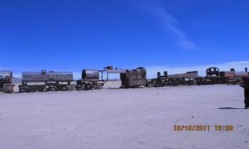 Zdjęcie BOLIWIA / Ujuni / Ujuni / Skorodowane od soli