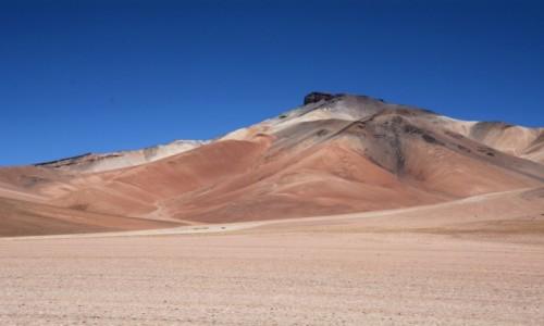Zdjecie BOLIWIA / Altiplano-Potosi / tuż, tuż po przekroczeniu granicy z Chile / Kolorowe góry :)
