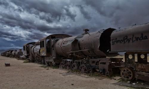 BOLIWIA / prowincja Antonio Quijarro / po drodze do Uyuni / Cmentarz pociągów