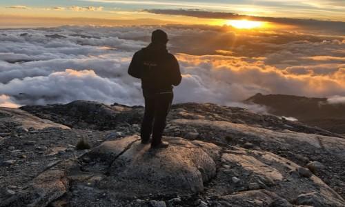 Zdjecie BOLIWIA / Boliwijskie Andy / Ancohuma / ponad chmurami