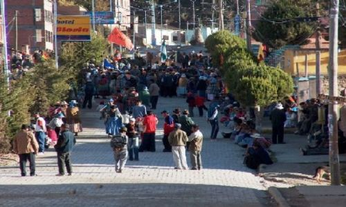 Zdjecie BOLIWIA / Altiplano / Jezioro Titicaca / Protest w Copacabanie