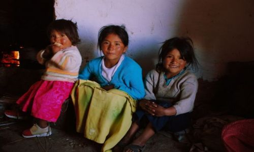 BOLIWIA / Cordillera Real / Wioska Pinaya / Chlodny poranek w wiosce Pinaya
