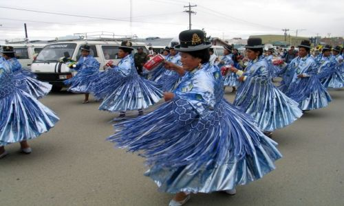 Zdjecie BOLIWIA / La Paz / przedmieścia La Paz / fiesta