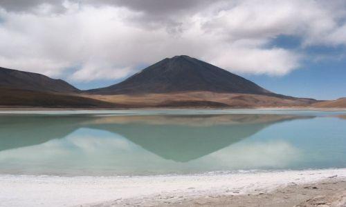 Zdjecie BOLIWIA / brak / Laguna Verde / Laguna Verde i Licancabur w tle