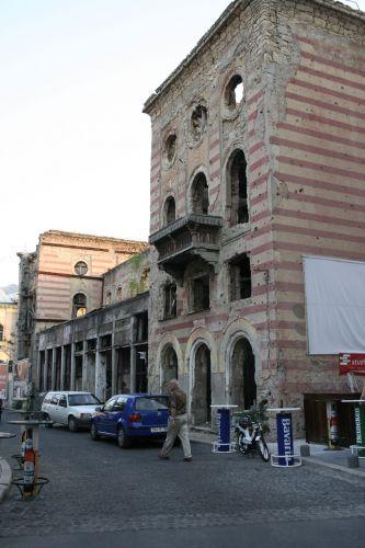 Zdj�cia: Mostar, Wspomnienie wojny, BO�NIA
