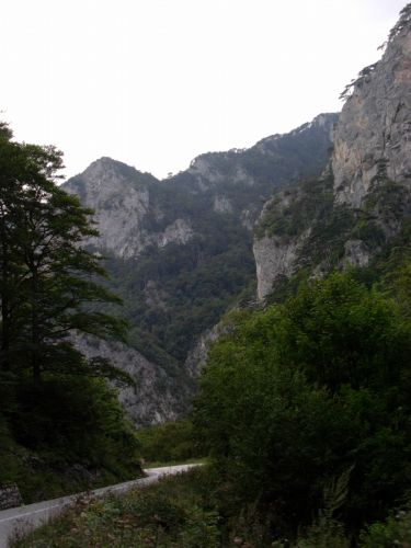 Zdjęcia: Między Sarajewem a Mostarem, Bośnia, Krajobraz w górach, BOśNIA
