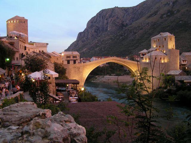 Zdjęcia: most, Mostar, most wieczorem, BOśNIA