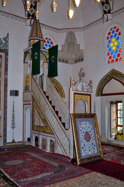 Zdjęcia: Mostar, Bośnia i Hercegowina, Wnętrze meczetu, BOśNIA i HERCEGOWINA