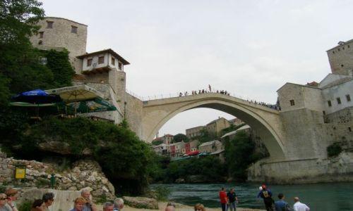 Zdjecie BOśNIA i HERCEGOWINA / Hercegowina / Mostar / Skoczy, nie skoczy
