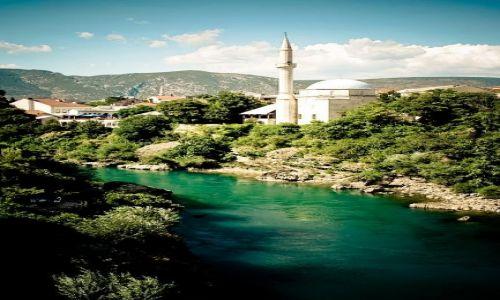 Zdjecie BOśNIA i HERCEGOWINA / - / Mostar / Meczet nad rzeką