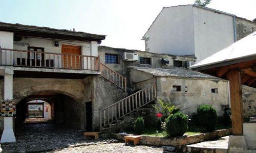 Zdjecie BOśNIA i HERCEGOWINA / - / Mostar / Przy meczecie