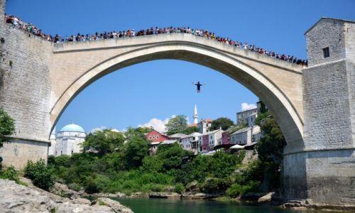 BOśNIA i HERCEGOWINA / Bałkany / Mostar / Skok  mostu