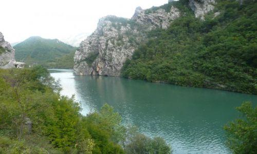 Zdjecie BOśNIA i HERCEGOWINA / - / gdzieś na trasie / Rzeka Bosnia