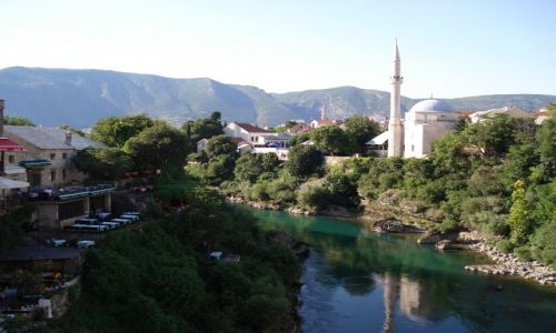 Zdjecie BOśNIA i HERCEGOWINA / Hercegowina / Mostar / Jeszcze raz panorama Mostaru