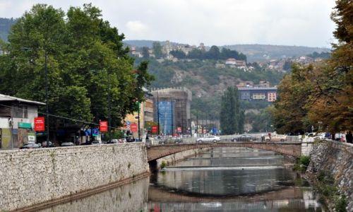 BOśNIA i HERCEGOWINA / Bośnia i Hercegowina / Sarajewo / Rzeka Miljacka