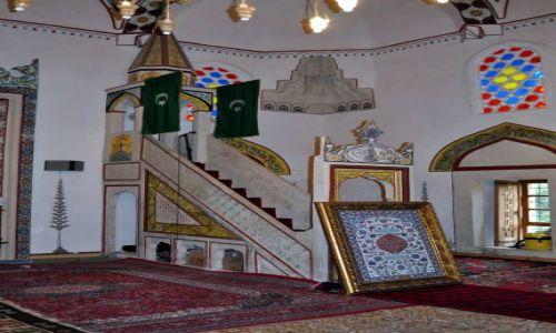 BOśNIA i HERCEGOWINA / Bośnia i Hercegowina / Mostar / Wnętrze meczetu