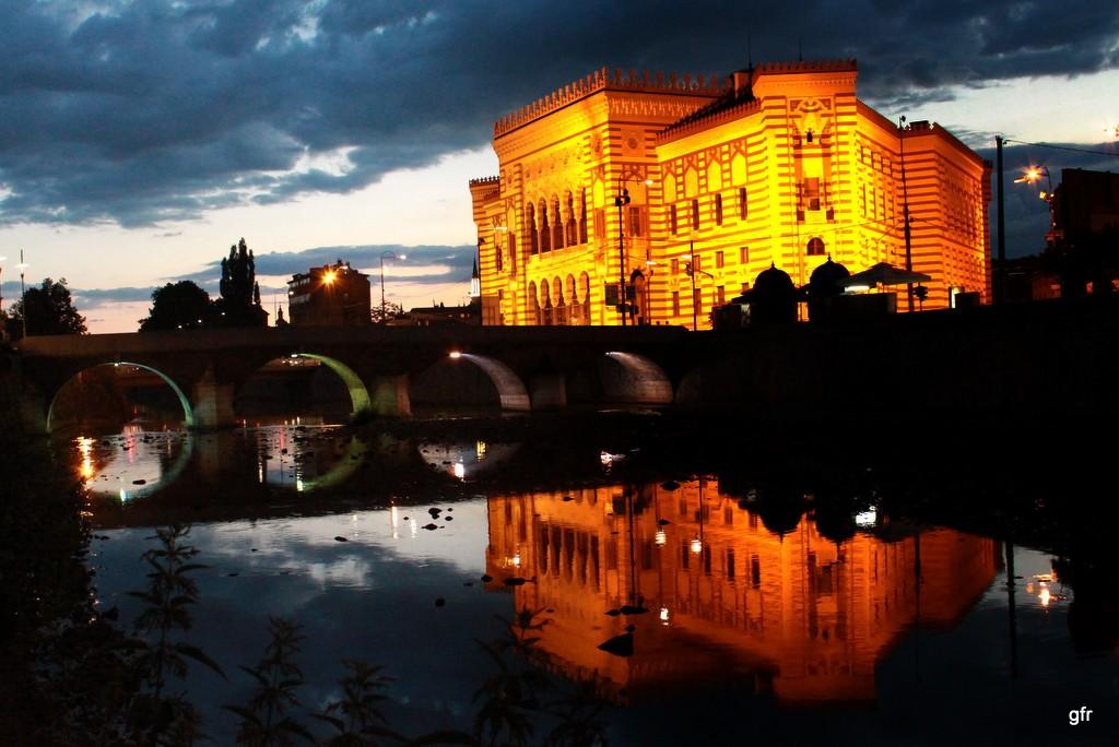 Zdjęcia: Ratusz/biblioteka, Sarajewo, Ratusz/biblioteka, Sarajewo, BOśNIA i HERCEGOWINA
