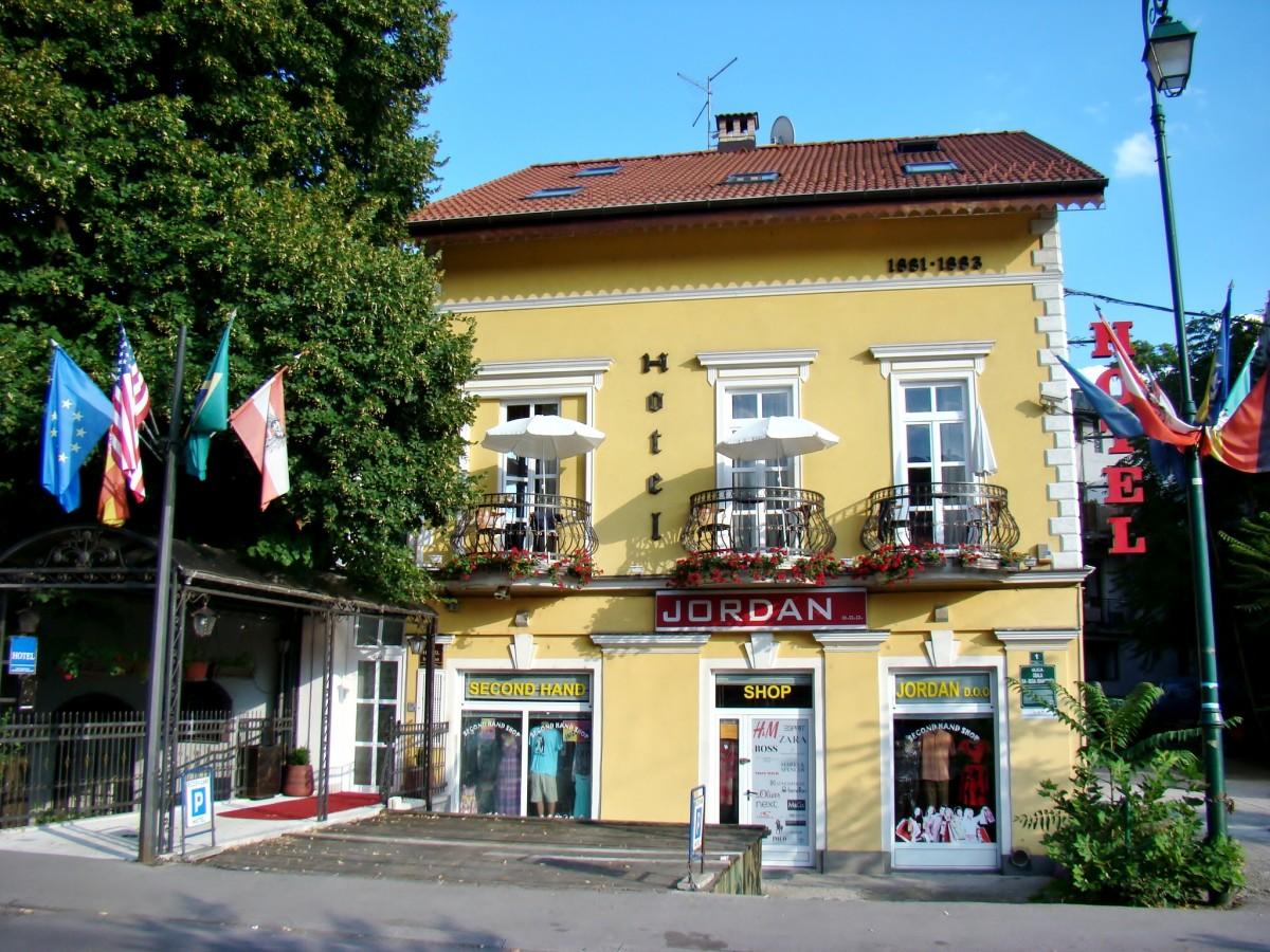 Zdjęcia: Sarajewo, Republika Serbska, Sarajewo-hotelik z XIX wieku, BOśNIA i HERCEGOWINA