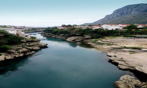 Zdjecie BOśNIA i HERCEGOWINA / - / Mostar / pomiędzy górami...