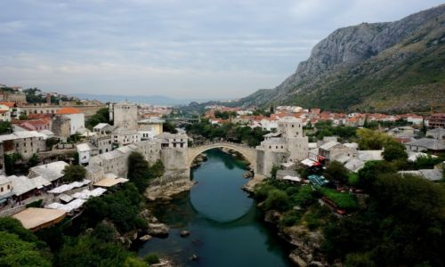 BO�NIA i HARCEGOWINA / Hercegowina / Mostar - Stari Most / w sercu Mostaru...