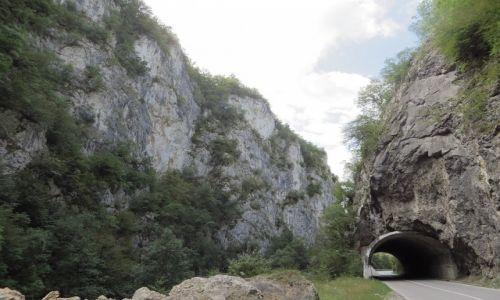 Zdjęcie BOśNIA i HERCEGOWINA / Rebublika Serbska / Trasa Foce - Niksic / przełom rzeki Piva