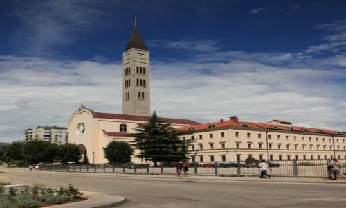 Zdjecie BOśNIA i HERCEGOWINA / Część południowa / Mostar / Kościół pw. Św. Piotra i Pawła