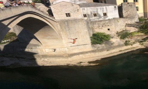 Zdjecie BOśNIA i HERCEGOWINA / - / Mostar / Skok z mostu