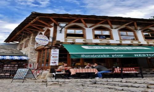 Zdjecie BO�NIA i HARCEGOWINA / Hercegowina / Mostar / Mostar, dzielni