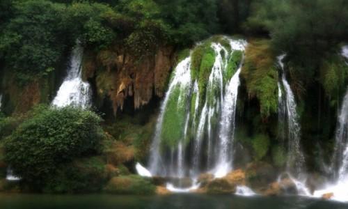 Zdjecie BO�NIA i HARCEGOWINA / Wodospady Kravica / Wodospady Kravica / �ywio�y przy Wo
