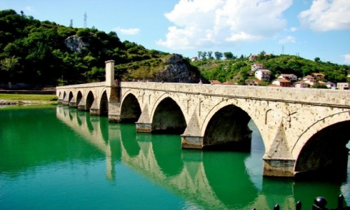 BOśNIA i HERCEGOWINA / Republika Serbska / Wiszegrad / Wiszegrad-most Mehmeda Paszy Sokolovicia wybudowany w latach 1571-77