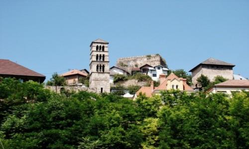 Zdjęcie BOśNIA i HERCEGOWINA / centralna Bośnia / Jajce / Jajce-fragment twierdzy z romańską dzwonnicą