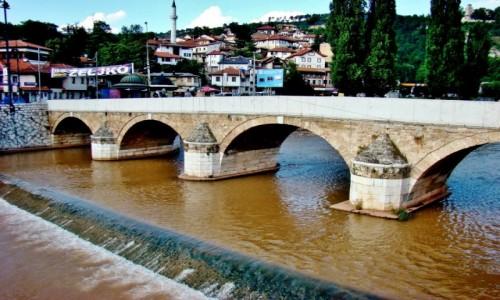 Zdjecie BOśNIA i HERCEGOWINA / - / Sarajewo / Sarajewo-most na rzece Miljacka