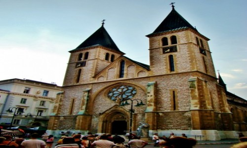 Zdjecie BOśNIA i HERCEGOWINA / Republika Serbska / Sarajewo / Sarajewo-rzymskokatolicka katedra Serca Jezusowgo z 1889 roku
