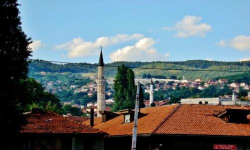 Zdjęcie BOśNIA i HARCEGOWINA / Republika Serbska / Sarajewo / Sarajewo-widoczny minaret meczetu Gazi Husrev-bega