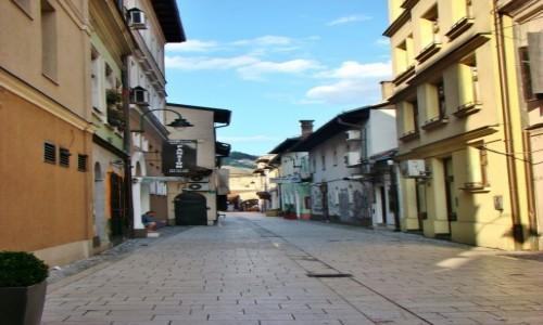 Zdjecie BOśNIA i HARCEGOWINA / Republika Serbska / Sarajewo / Uliczka w Saraj