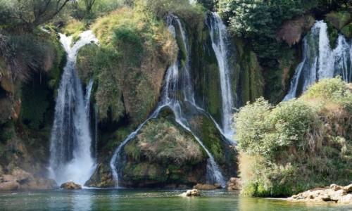 Zdjęcie BOśNIA i HARCEGOWINA / w pobliżu miasteczka Ljubuski / wodospady Kravica / nieco odmienione...