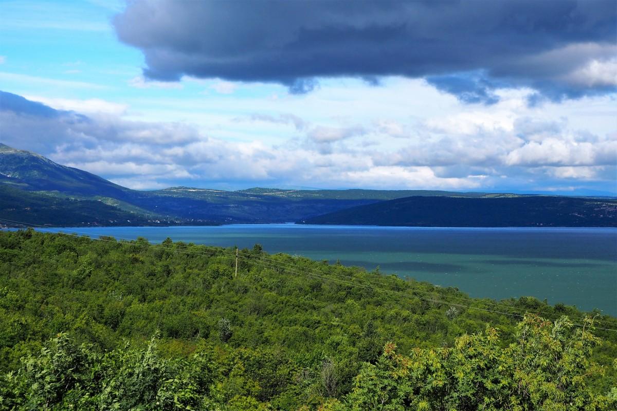 Zdjęcia: jezioro Buško, chmur coraz więcej..., BOśNIA i HERCEGOWINA