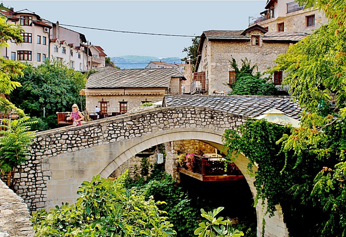 Zdjęcia: Mostar, Hercegowina, Krzywy Most/Kriva Cuprija/, BOśNIA i HERCEGOWINA