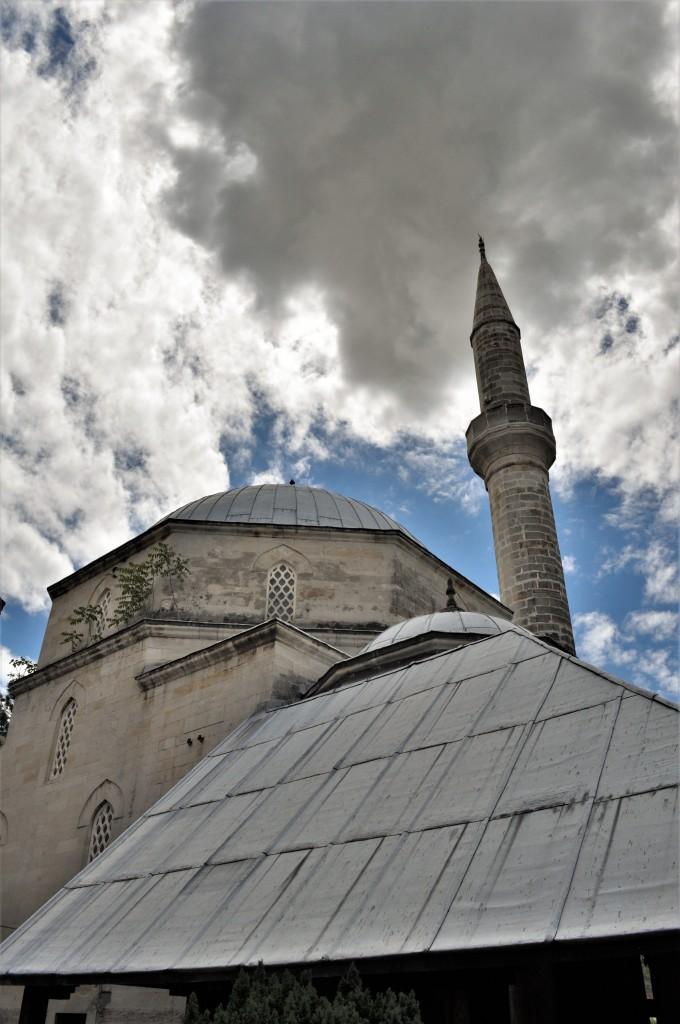 Zdjęcia: Mostar, Kanton hercegowińsko-neretwiański, Mostar, meczet, BOśNIA i HERCEGOWINA